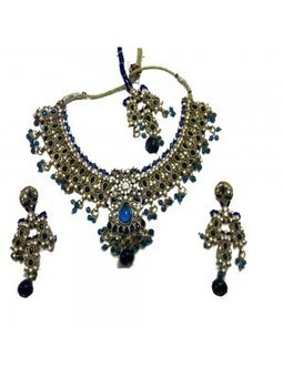 Aava Blue Bridal Set With Mangtika - Shop and Buy Online at Best prices in India. | Online Diwali-gifts | Scoop.it