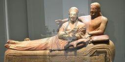 PHOTOS – La civilisation étrusque investit le Louvre Lens | Les Etrusques et la Méditerranée. La cité de Cerveteri | Scoop.it