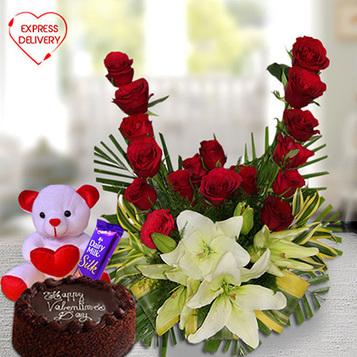 4 Fabulous Valentine Flower Arrangements to Buy at Giftalove!   Buy Gifts & Flowers online   Scoop.it