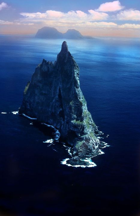 Ball's Pyramid, the world's tallest seastack, off the Eastern coast of Australia | Planet Earth | Scoop.it