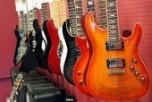 Free Classses for Guitar Pickers at Guitar Center - Patch.com | Being a disc jockey and musician In Seattle | Scoop.it