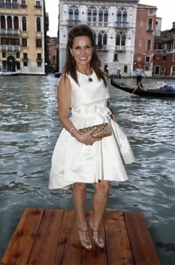 Evening Sonia Falcone. That is glamorous Venice !! - Paris Match | NADINE-BURCHI | Scoop.it