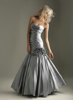Buste drape en asymetrie robe sirene lace au dos S0004 :   fashionrobe   Scoop.it