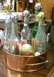 Christmas Decorating For Collectors Who Want To Show Off Their Collections | Antiques & Vintage Collectibles | Scoop.it