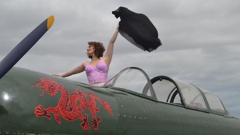 Pin-up girls take to the skies - Mandurah Mail | Pin-Up Logos | Scoop.it