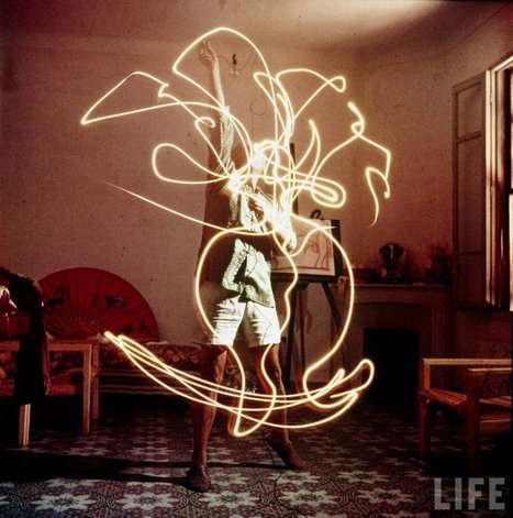 Colour photographs of Picasso painting in light, 1949 | Bohunt Photography | Scoop.it
