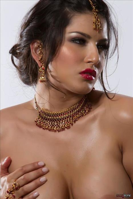 HOT Exposed Sunny Leone | Sunny Leone Photos | Hot Bollywood Actress | hottest Bollywood Diva's | Scoop.it