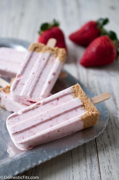 Strawberry Cheesecake Popsicles and I Heart California Strawberries. #cooking #food #recipes | The Man With The Golden Tongs Hands Are In The Oven | Scoop.it