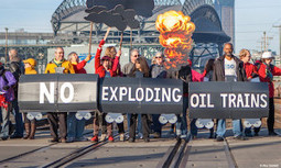 Oil Change International Unveils Crude-by-Rail Resource Hub | EcoWatch | Scoop.it