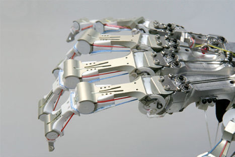 Robotic DLR hand: A furious metallic claw compatible with the humanoid robots   Robots humanoides   Scoop.it