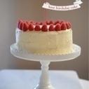 Classic Birthday Cake | Cupcakes & Cashmere | Entrelaços | Scoop.it
