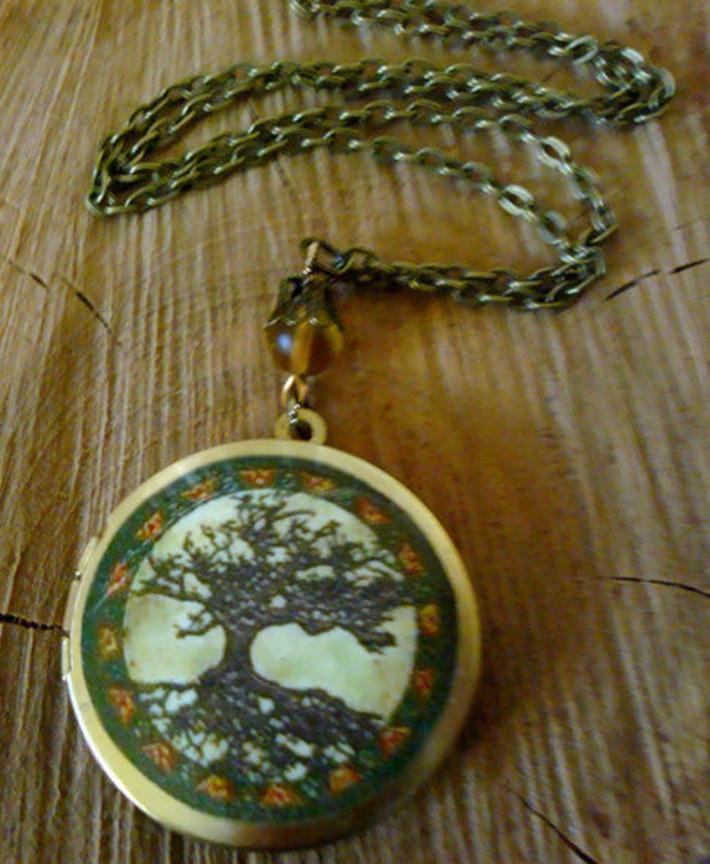 Art Locket Necklace-Tree of Life Design-h461 | For Art's Sake-1 | Scoop.it