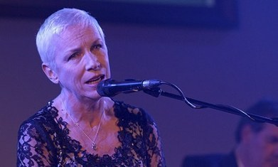 Annie Lennox condemns 'pornographic' music videos - The Guardian | Art & Music | Scoop.it