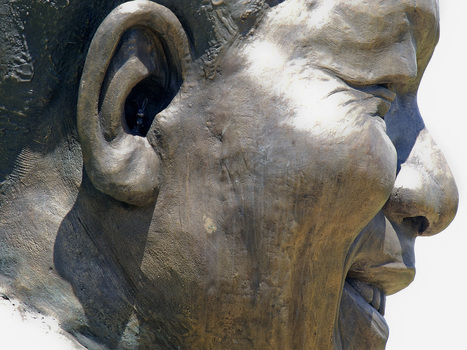 Hopping Mad: Rabbit In Mandela Statue's Ear Is On Burrowed Time | Ken's Odds & Ends | Scoop.it