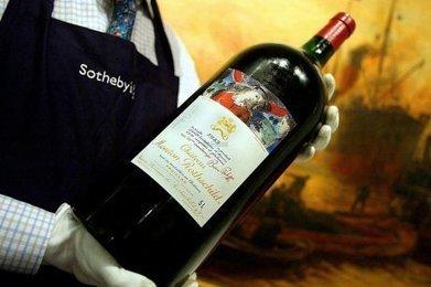 """Vins de Bordeaux : le trafic de fausses étiquettes explose sur internet   L'appellation """"Champagne"""" n'est-elle pas une stratégie marketing pour que les producteurs de champagnes français restent compétitfs?   Scoop.it"""