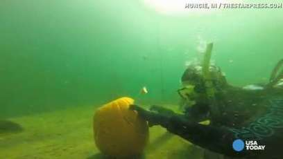 Video: How do divers carve pumpkins? Underwater, of course! - Statesman Journal | ScubaObsessed | Scoop.it