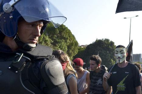 Manifestantes cortaram principal acesso à Ponte 25 de Abril - JN | Greve Geral | Scoop.it