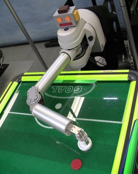 This Robot Wants to Beat You at Air Hockey | Robots in Higher Education | Scoop.it