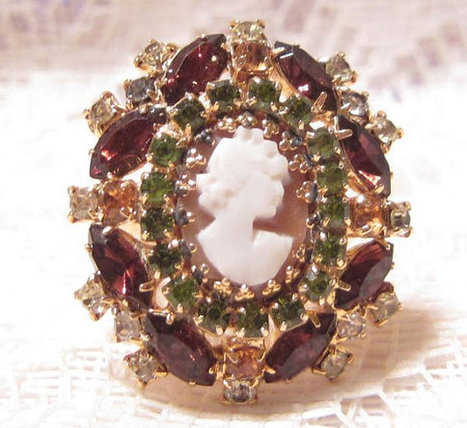 Vintage Rhinestone Cameo Ring Size 6 | Fabulous Vintage Jewelry | Scoop.it
