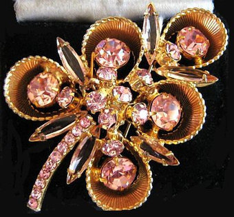 "Vintage Juliana Brooch Pin D&E Confirmed Pink Rhinestones Textured Gold Metal 2.5"" VG | vintage jewelry | Scoop.it"