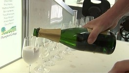 English #sparkling #wine declared 'as good as #Champagne ' | Vitabella Wine Daily Gossip | Scoop.it