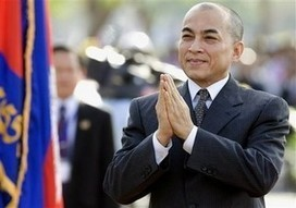King requested to convene CPP, CNRP leaders for... | thecambodiaherald | Khmer | Scoop.it