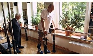Paralysed man Darek Fidyka walks again after pioneering surgery   ExpDiM   Scoop.it