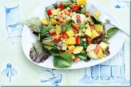 Summer Salad with Mango, Cucumber, Avocado, and Curry Vinaigrette | Healthy Whole Foods | Scoop.it