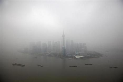 Opportunity glimmers through China's toxic smog | Reuters | China | Scoop.it