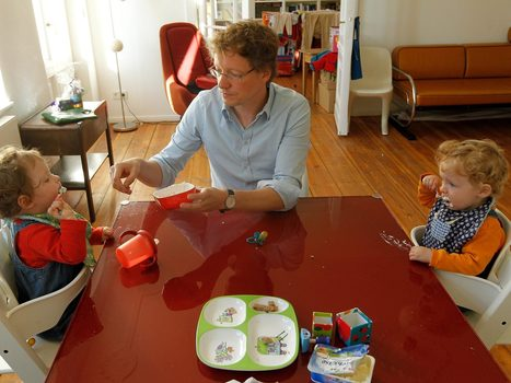 Children who eat breakfast with their families 'less likely to be obese' - The Independent | Commercial Playground Equipment | Scoop.it