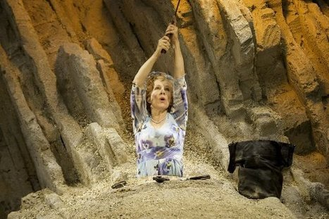 Theatre Review: Happy Days at the Young Vic   The Irish Literary Times   Scoop.it