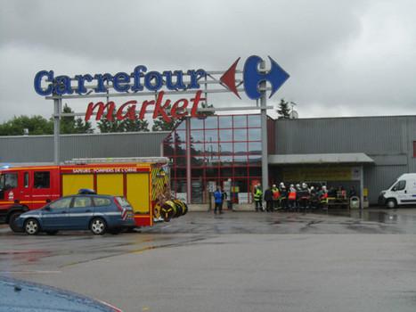 Vimoutiers. Une partie de la toiture du Carrefour Market s'effondre | Le Mag ornais.fr | Scoop.it