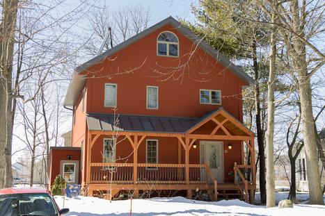 Sainte-Martine abrite la maison la plus écologique du Québec, première certifiée LEED-Platine en Montérégie I chateauguayexpress.ca | architecture..., Maisons bois & bioclimatiques | Scoop.it