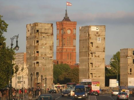 Una foto que ya no puede ser tomada en nuestra ruta Berlin Indispensable, porque... | Turismo de Berlin | Scoop.it