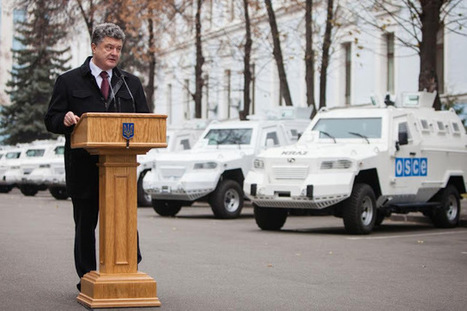 Fort Russ: A Desperate Poroshenko Begs the West for more Anti-Russian Sanctions   Global politics   Scoop.it
