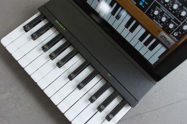 Et bientôt : un mini clavier musical pour l'iPad ! - iPad mini, iPad Retina, iPad 2 en France avec VIPad.fr, le blog iPad | Un peu de tout et de rien ... | Scoop.it