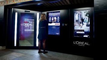 Stand Clear of Closing Doors! L'Oréal new vending machines... | Travel Retail | Scoop.it
