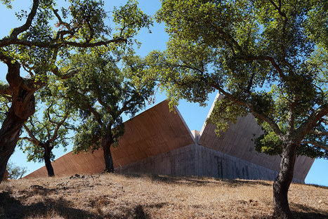 Valerio Olgiati HIDES villa alem within folding concrete walls | The Architecture of the City | Scoop.it