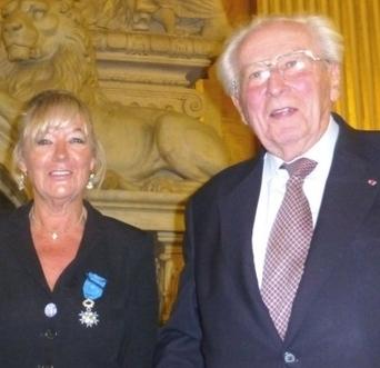 Lyon : le professeur Mornex décore Mireille Imbaud | Hospices Civils de Lyon | Scoop.it