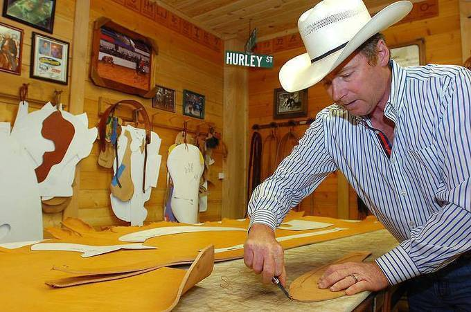 Mark Hurley, Custom Saddle Maker... For the love of the craft