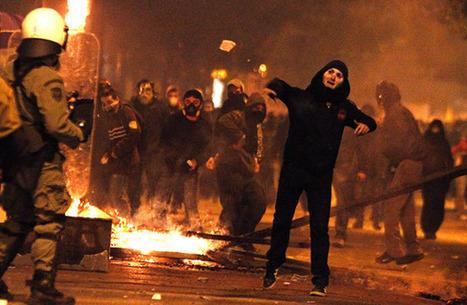 Les Inrocks : La Grèce s'enflamme, l'Europe sent le roussi | Union Européenne, une construction dans la tourmente | Scoop.it
