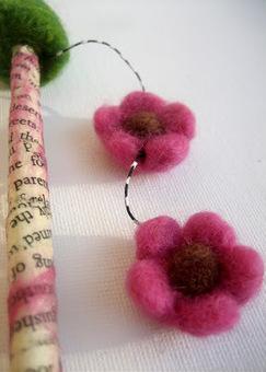 Green Dot Creations: Mixed Media, Fantasy Hair Stick | Needle felting art by Green Dot Creations' Studio! | Scoop.it