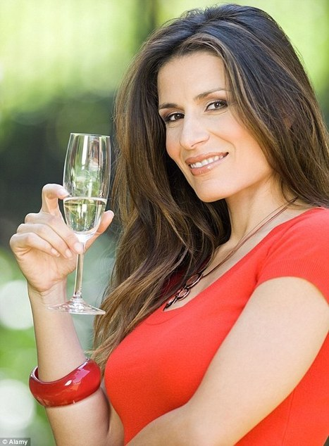 A glass of Champagne every day for women - Teatro Naturale | Fine Champagne Magazine | Scoop.it