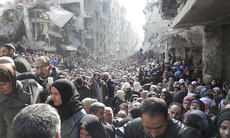 Queue for food in Syria's Yarmouk camp shows desperation of refugees | A World of Oneness | Scoop.it