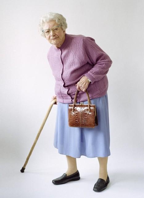 El extravagante fotógrafo Tim Walker se adentra con ternura en el mundo de las abuelas - 20minutos.es   #KineticSalud   Scoop.it