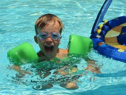 Prévenir les noyades d'enfant : vigilance et alarmes de piscine - Futura Sciences   Entretien piscine   Scoop.it