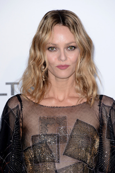 Photos : Vanessa Paradis montre ses seins sexy au gala Amfar 2016 | Radio Planète-Eléa | Scoop.it