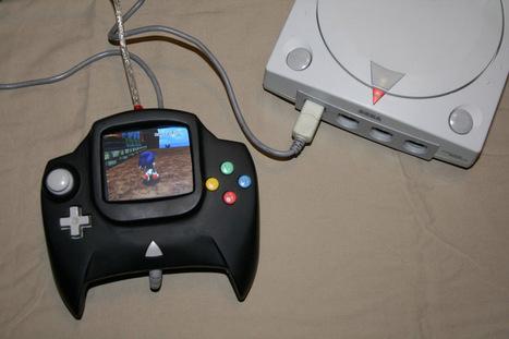 A SEGA Dreamcast Controller With a Built-in Screen | Game Mod Culture | Scoop.it