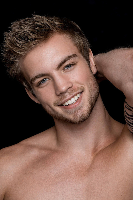 Dustin Mcneer by Fritz Yap | THEHUNKFORM.COM | Scoop.it