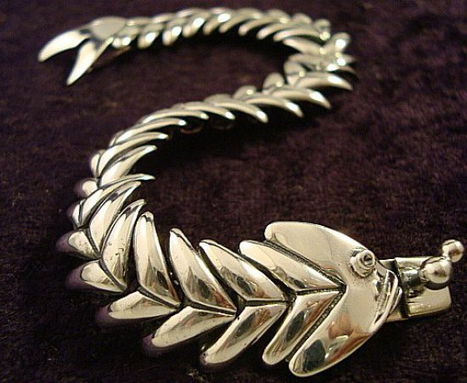 Molina Silver Swimming Fish Bracelet | Taxco.925 Mexican Silver Store | Scoop.it